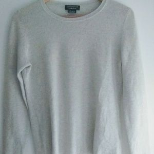 Lord & Taylor 100% cashmere Light Gray Sweater